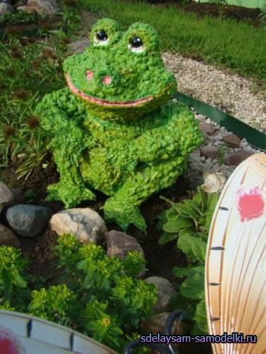 Поделки из пены для дачи, сада (Лягушка)