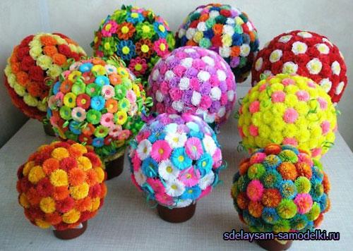 Цветы из бумаги на шаре своими руками