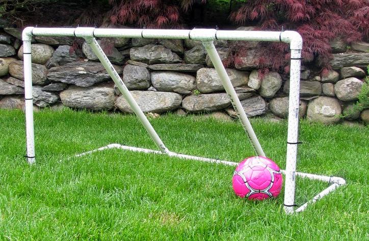 Как сделать футбольные ворота из дерева своими руками